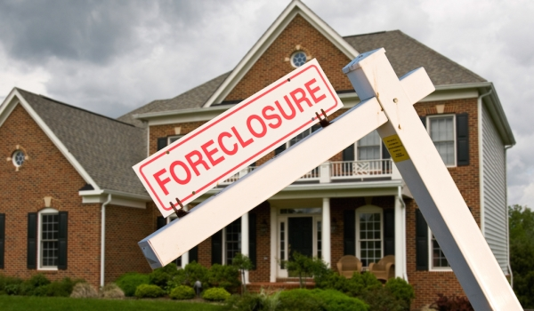 Foreclosure House.jpg
